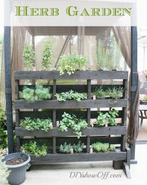Pallet Garden Herbs DIYShowOff