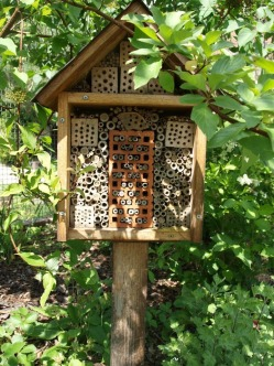 Solitary Bee Hotel perfect for small garden!