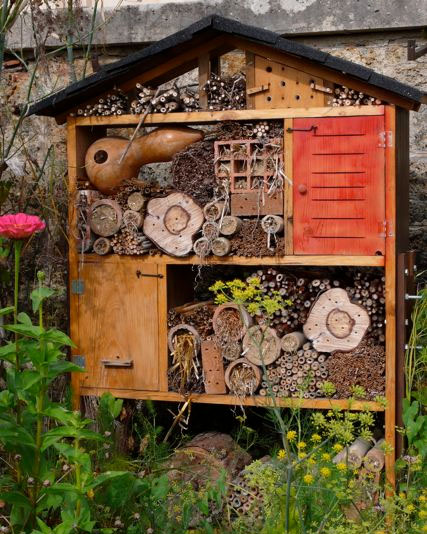 Solitary Bee House, artsy crafty DIY Homemade, Gourd and Gorgeous!