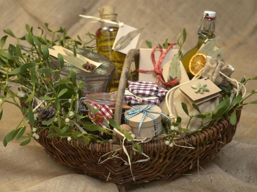 Holiday Garden Gift Basket