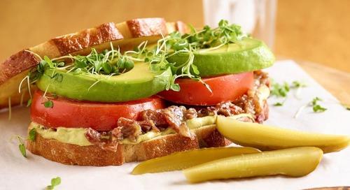 CA Avocado Beefsteak Tomato Sandwich per Chef Jason Hernandez!